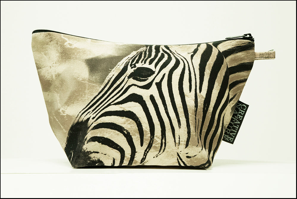 Triangle Toiletry Bag Khaki 01 Zebra