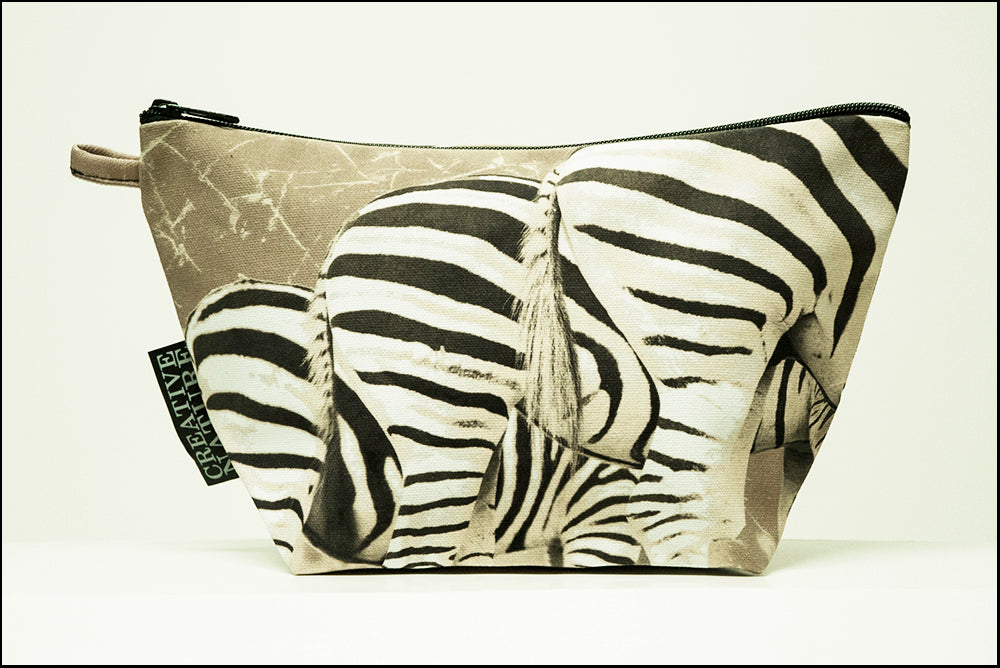 Triangle Toiletry Bag Khaki 08 Zebra