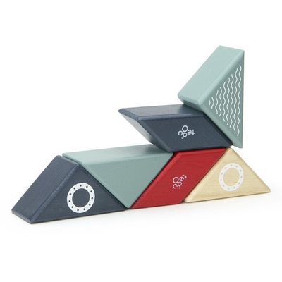 Tegu Magnetic Tug Boat Travel Pal