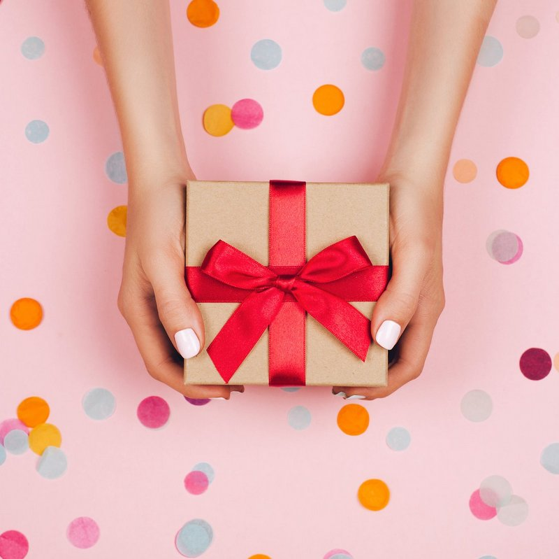 Gift Wrapping + Card Writing Service