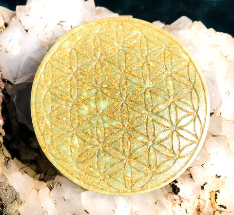Orgone Flower of Life Plate ~ Glow in the Dark ~ Violet Flame Orgone Crystal Charging Plate