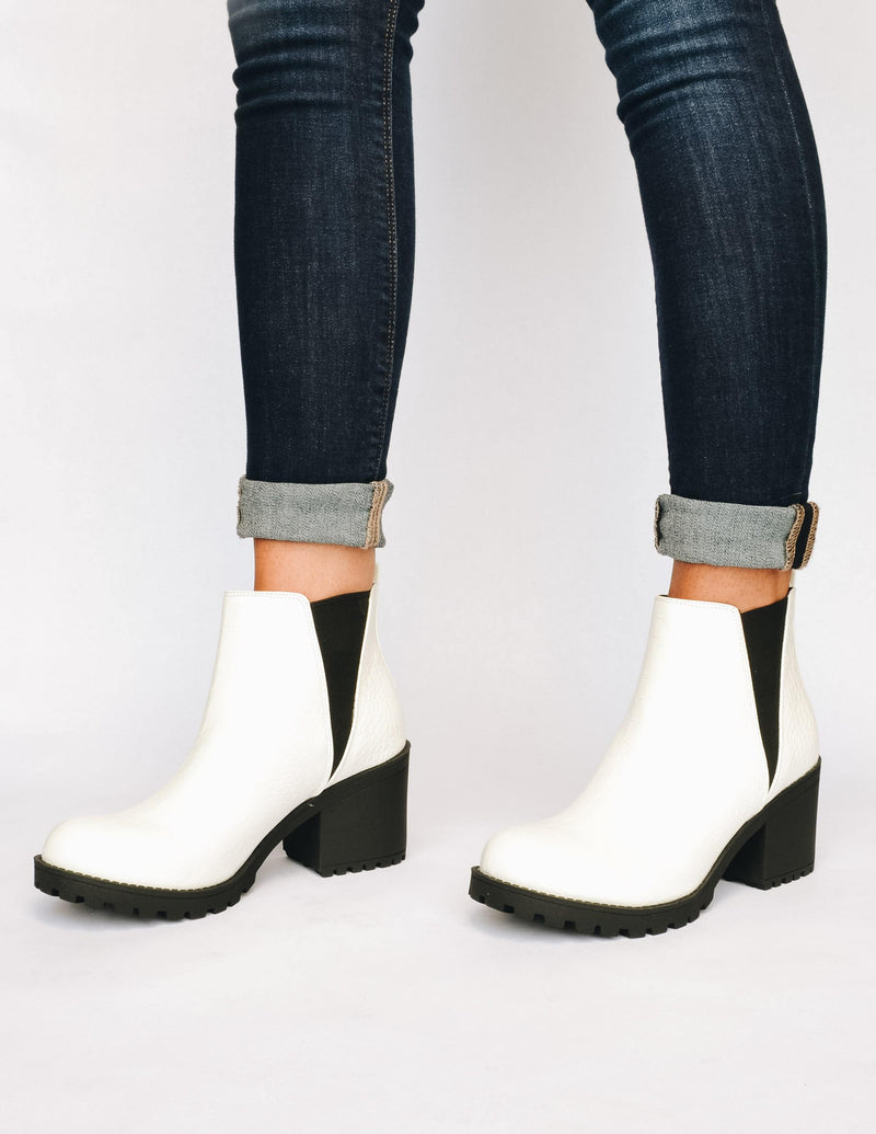 DIRTY LAUNDRY Croc My World Boot - White