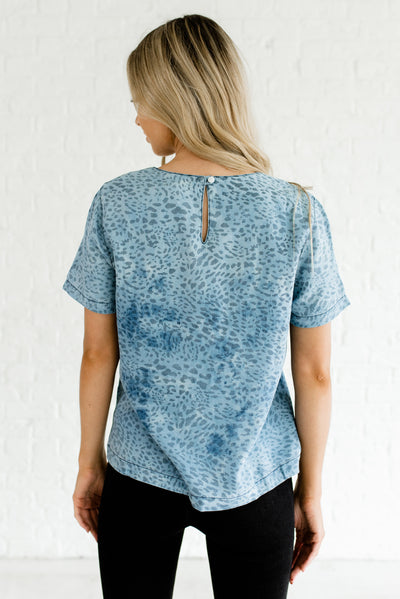 Women's Blue Chambray Keyhole Back Boutique Tops