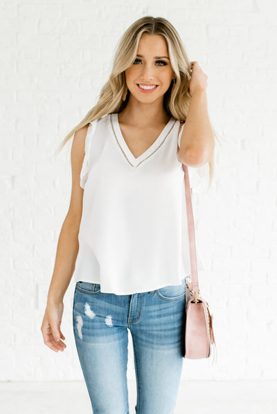 Women's Cute White V-Neckline Lightweight Boutique Blouse