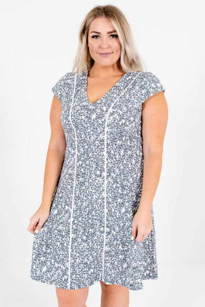 Women's V-Neckline Boutique Plus Size Mini Dresses