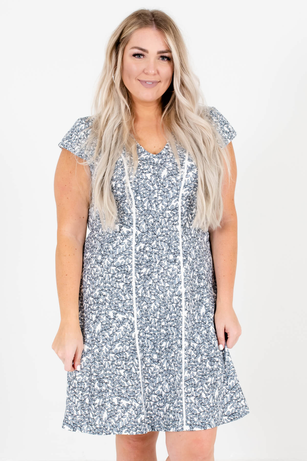 White and Blue Leaf Patterned Plus Size Boutique Mini Dresses for Women
