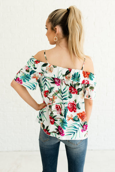 Women's White Floral Patterned Boutique Top with Subtle Sweetheart Neckline