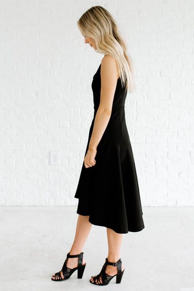 Black V-Neckline Boutique Knee-Length Dresses for Women