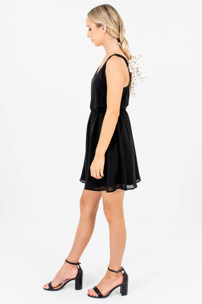 Black Scalloped Detailed V-Neckline Boutique Mini Dress