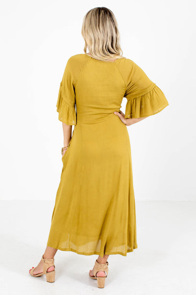 Women's Yellow V-Neckline Boutique Maxi Dress