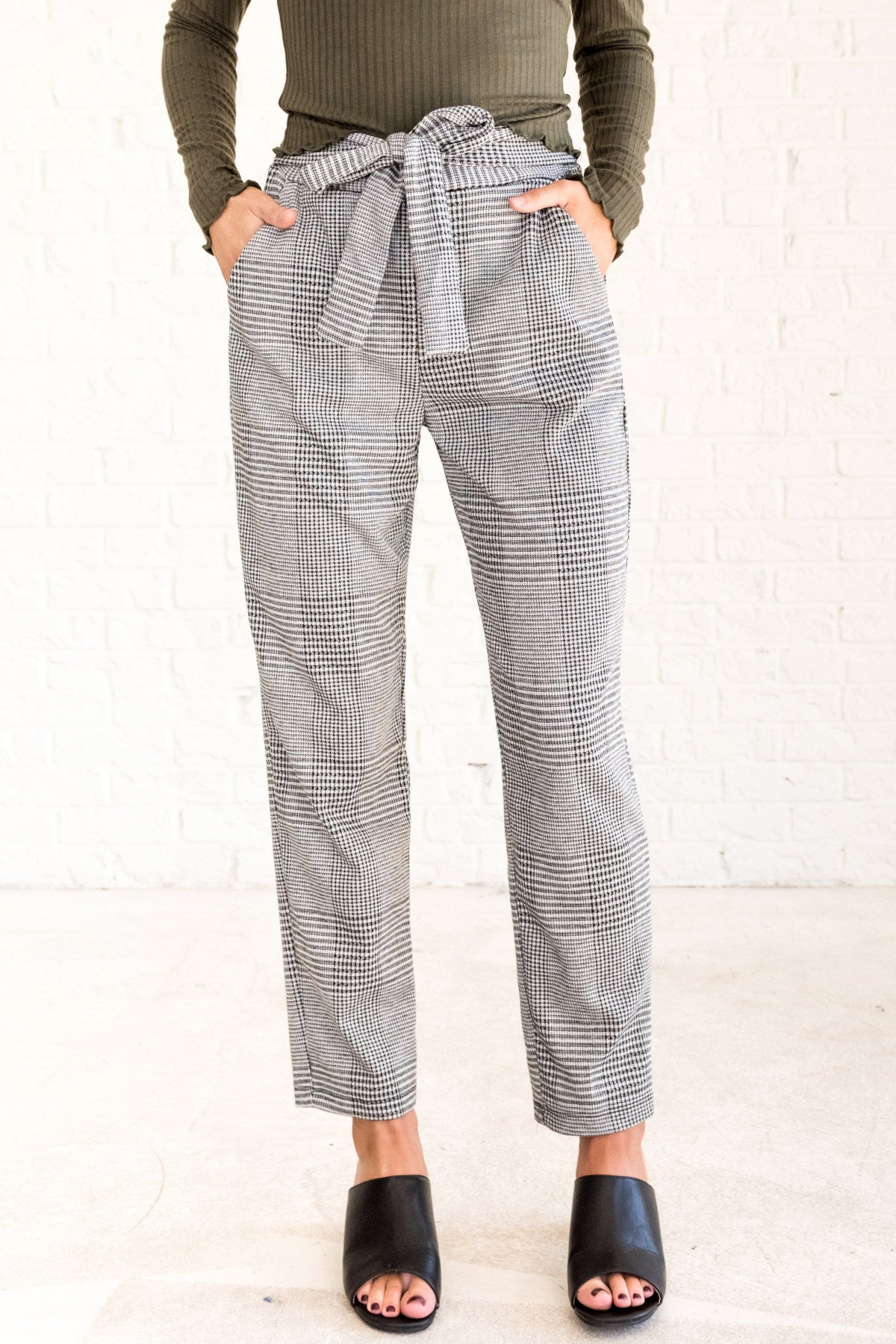 Black White Plaid Striped Business Casual Pants with Pockets