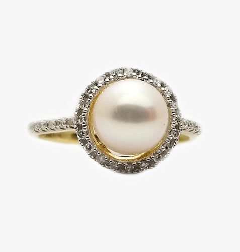 10k .12ctw Diamond Pearl Ring