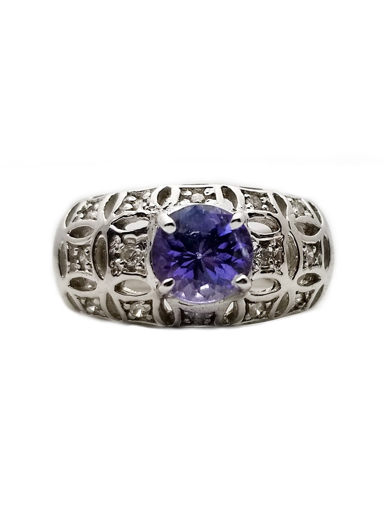 14k: .95ct Tanzanite, .15ct Diamond Fashion Ring