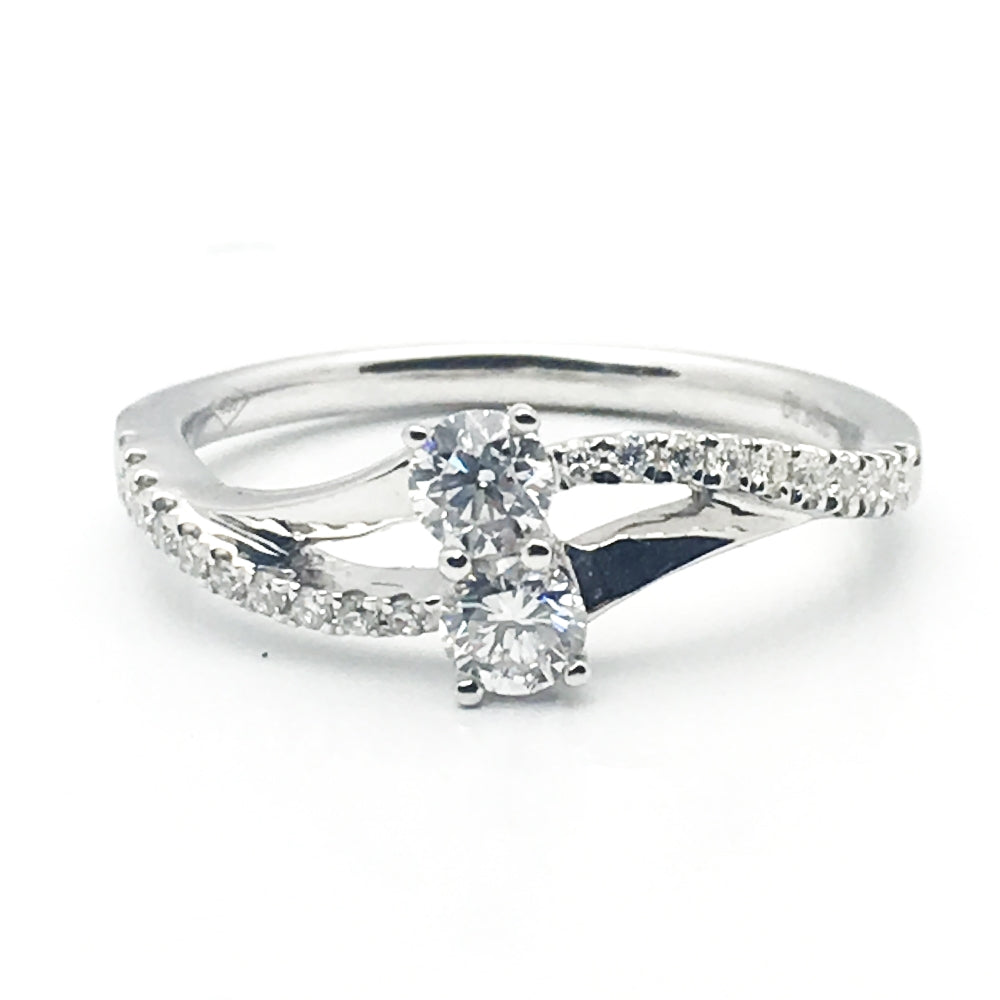 18k .47ctw Diamond Ring