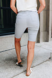 Everyday Colored Bermudas in Light Gray.