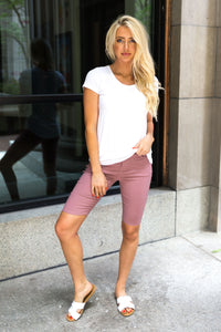 Everyday Colored Bermudas in Mauve.