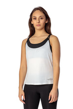 THE WOMEN'S LOCKER Breeze Top