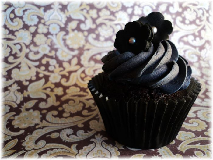 How to make natural black buttercream frosting