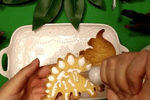 Dinosaur Cookie Cutters - Cake Magician