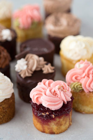 Load image into Gallery viewer, Cupcake Variety Box, 3 flavours