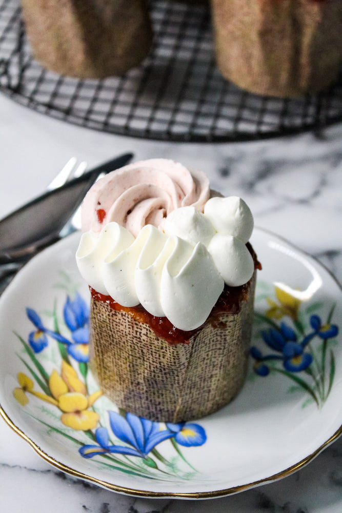 Load image into Gallery viewer, Strawberry Champagne Cupcake