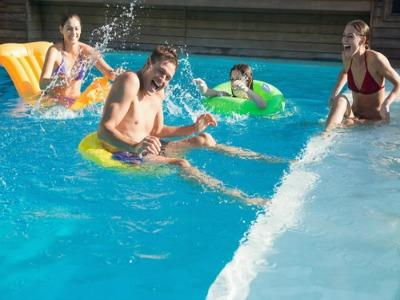 5 Steps to the Perfect Pool Party
