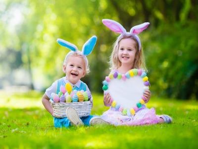 How to Have an Eggscellent Easter Egg Hunt
