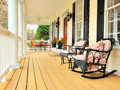 How to Refresh Your Porch for Summertime