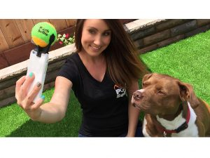 Pooch Selfie lets you take picture perfect selfies with your pooch!
