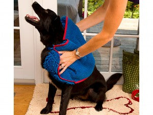 Keep your car and your pup dry with Soggy Doggy Super Shammy.