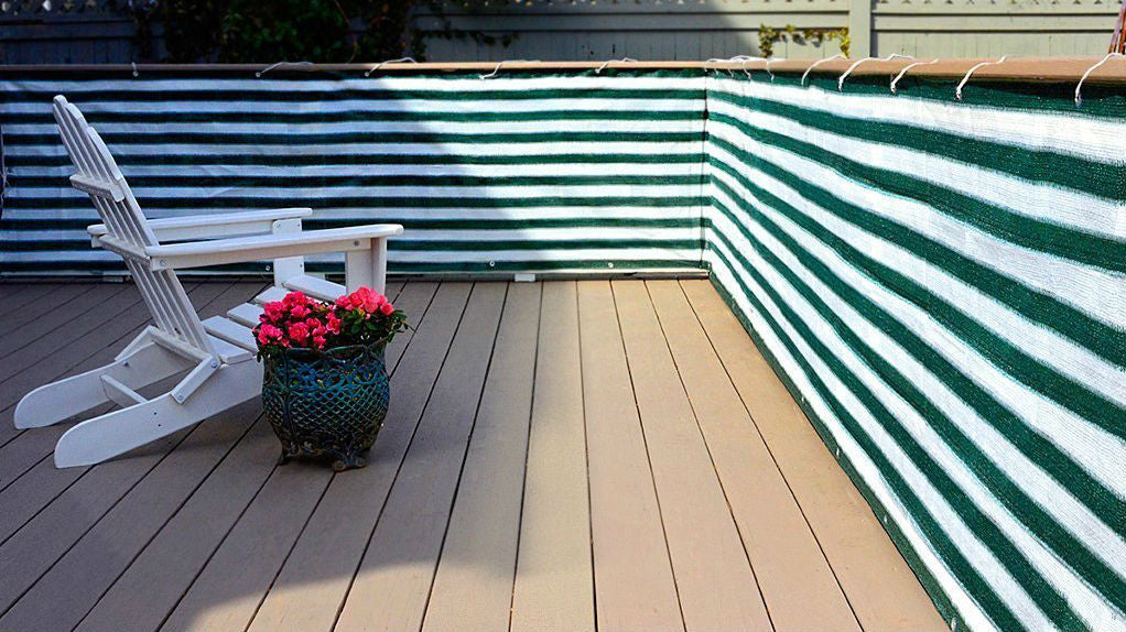 Privacy deck screen keeps wandering eyes out