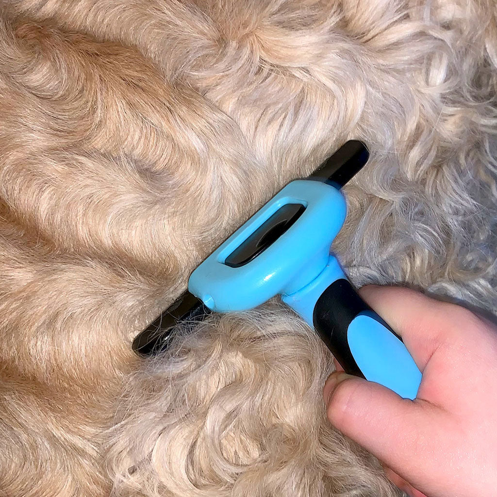 Deshedding Brush for Cats and Dogs