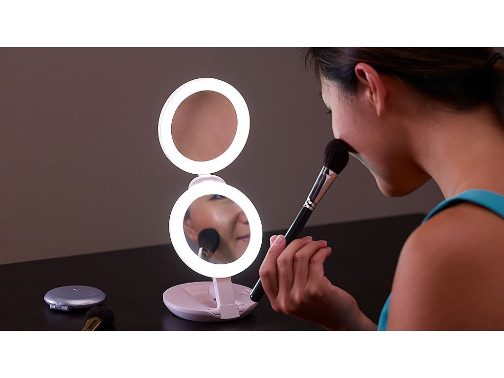 Lighted Compact Mirror image from BulbHead