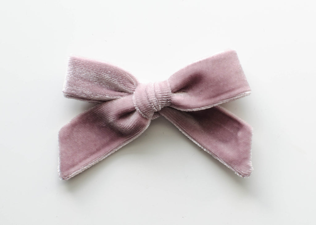 Blush Velvet | Evie Bow