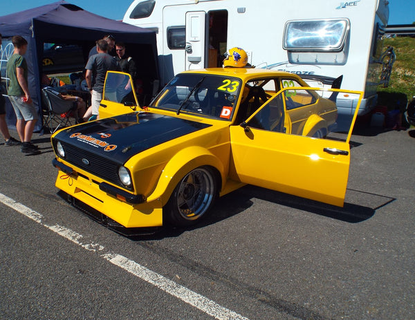 Yellow Ford Escort at Lydden Car Show