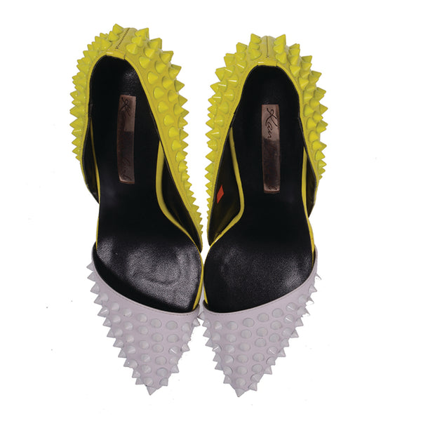 Color Block Spiked Pumps