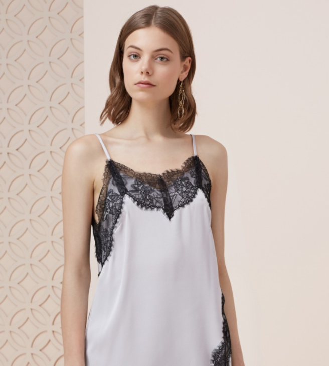 STOP ME LACE TRIM TOP