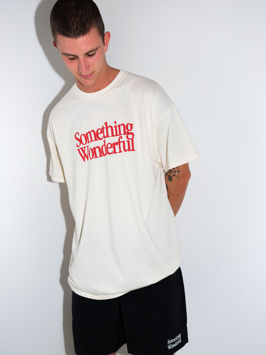 LOGO T-SHIRT - NATURAL / CHERRY RED