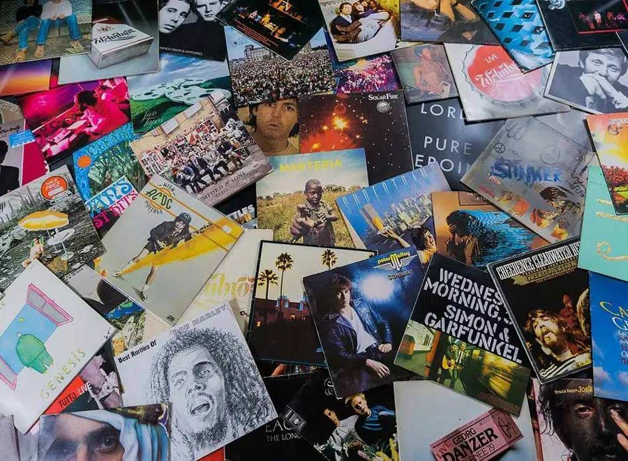Organizing a vinyl collection on the floor