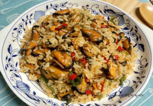 건홍합 볶음밥 (FRIED RICE WITH DRIED MUSSEL)