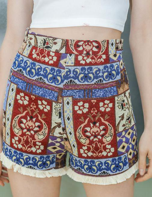 Slash Neck Crop Top and Tribal Shorts - Fancyqube