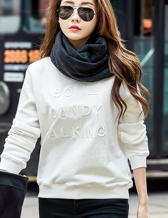 2018 Autumn and Winter Cotton Embroidery Round Neck Sweatshirt