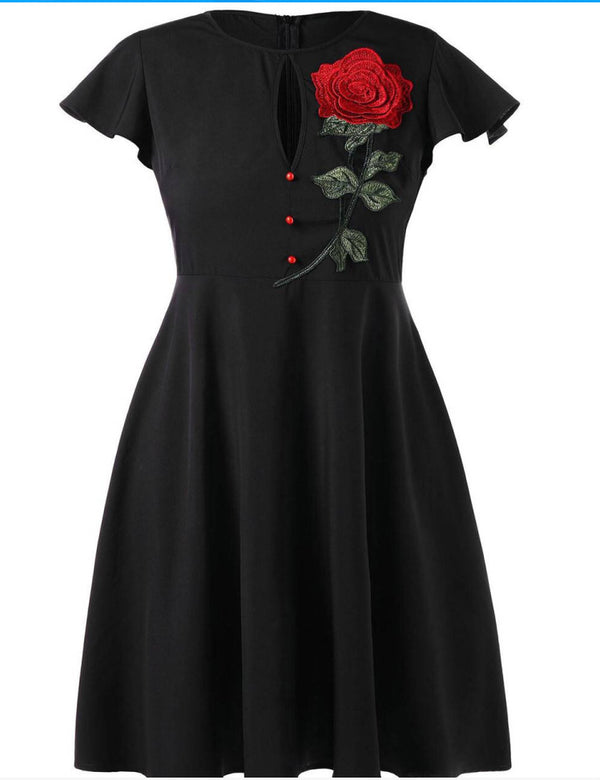Plus Size Embroidered Applique Short Sleeve Casual Black Midi Dress