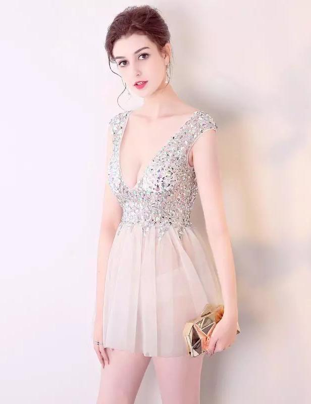 A-Line Sexy V-Neck Backless Hand-Stitched Diamond Short Homecoming Dress