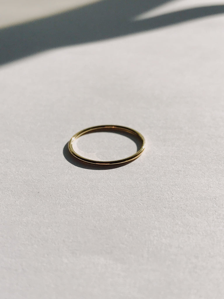 Modest Ring in Gold-filled (Size 3, 5, 9) - Jodie Guirey