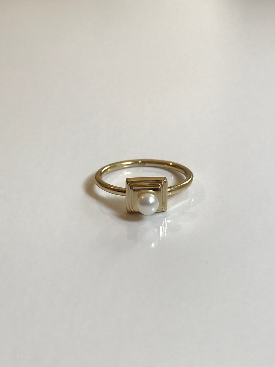 SAMPLE SALE - High Pearl Ring in Sterling Silver (Size 5.5, 6.5, 7.5) - Jodie Guirey