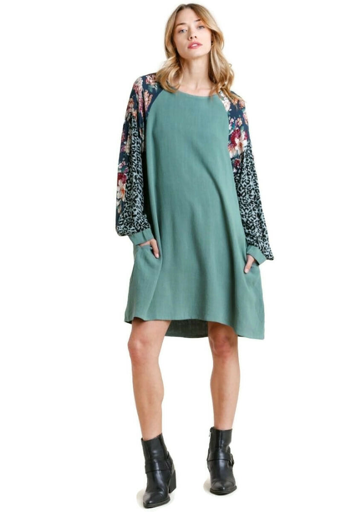 UMGEE USA Floral & Animal Pocket Dress