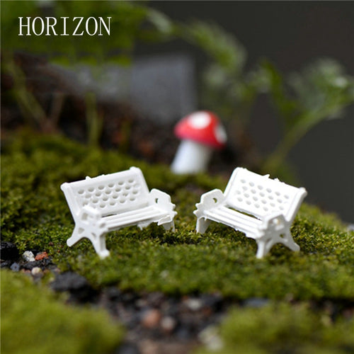 2 Mini White Garden Chair Ornaments - stilyo