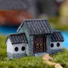 Mini Antic House Ornament - stilyo