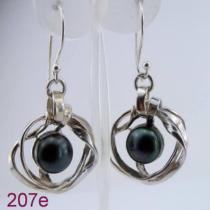 Great handcrafted Sterling Silver long black Pearl Earrings (207e)
